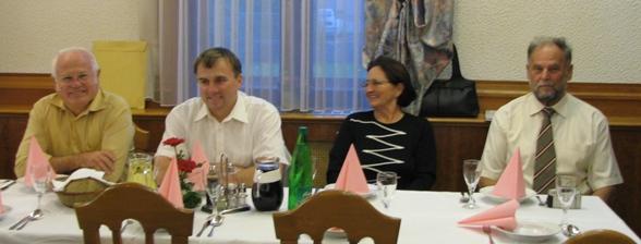 Levo predsednik društva Janko Pirnat, desno pa mentorji Marjan Plavčak, Cirila Haler ter Toni Četina